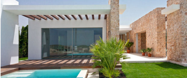 eco-friendly villas in Ibiza: the complex Cala Conta