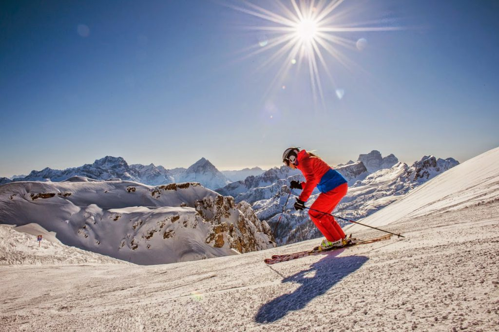 Skiing and snow sports, the rules for practicing them safely