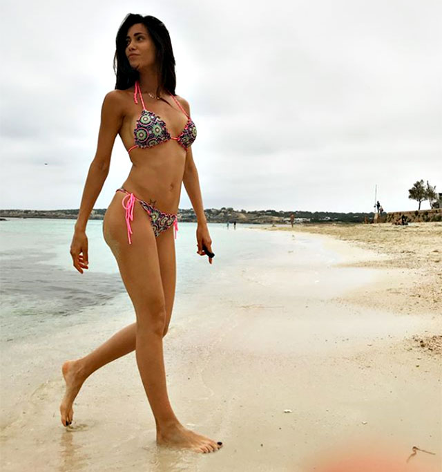 Federica Nargi sports a top-quality bikini in Formentera. Summer has not started yet but the former two-piece tissue is amazing